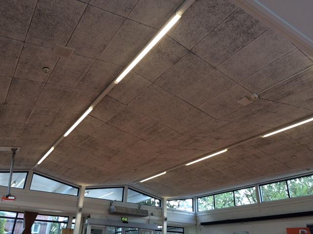 Regenboogschool te Haarlem Gymzaal LED-verlichting Borms Elektrotechniek
