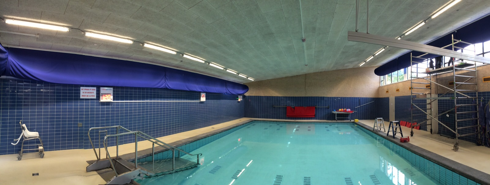 Regenboogschool te Haarlem Zwembad LED-verlichting Borms Elektrotechniek